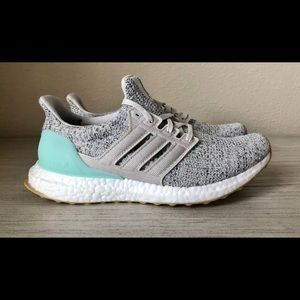 Adidas Ultra Boost 4.0 Women's Shoes Size 8 Mint
